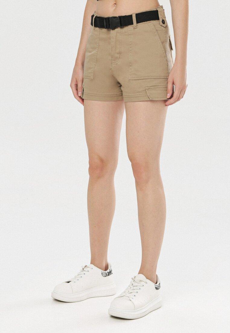 Pantaloni scurți Bej