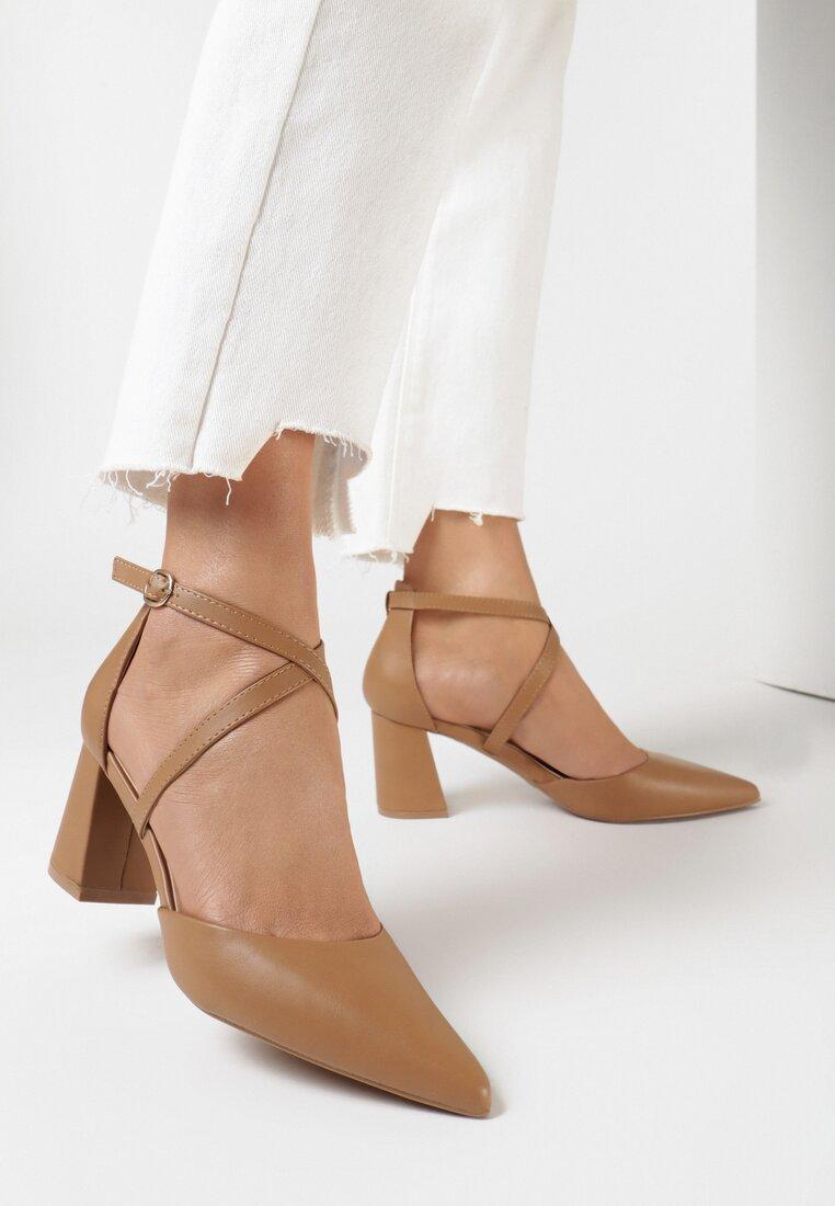 Pantofi cu toc Camel