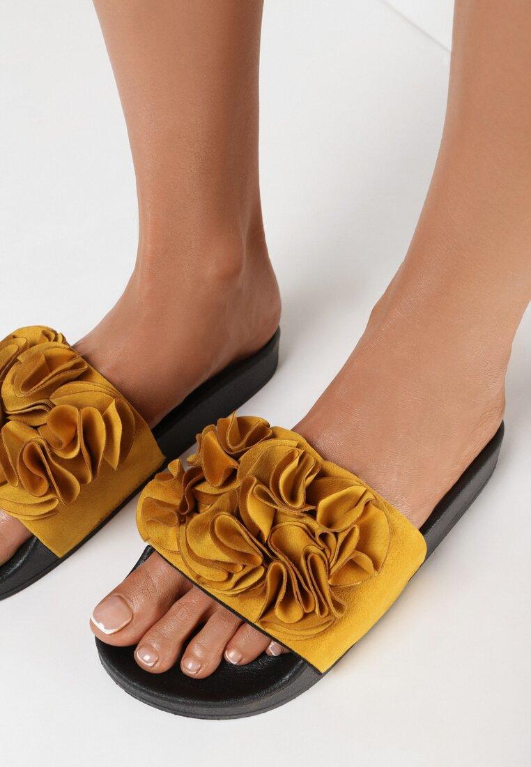 Papuci Galbeni
